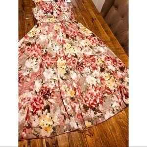 Dresses & Skirts - Rose gold floral dress
